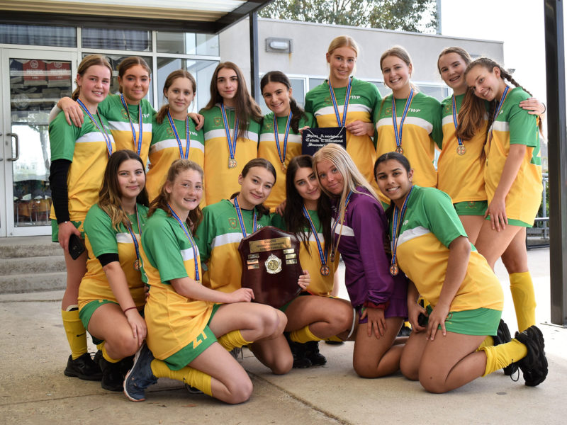 2019-senior-girls-hockey-premiers-mack